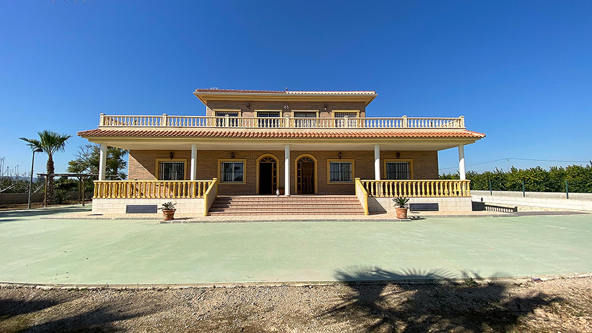 Villa in Alicante (Los Montesinos)