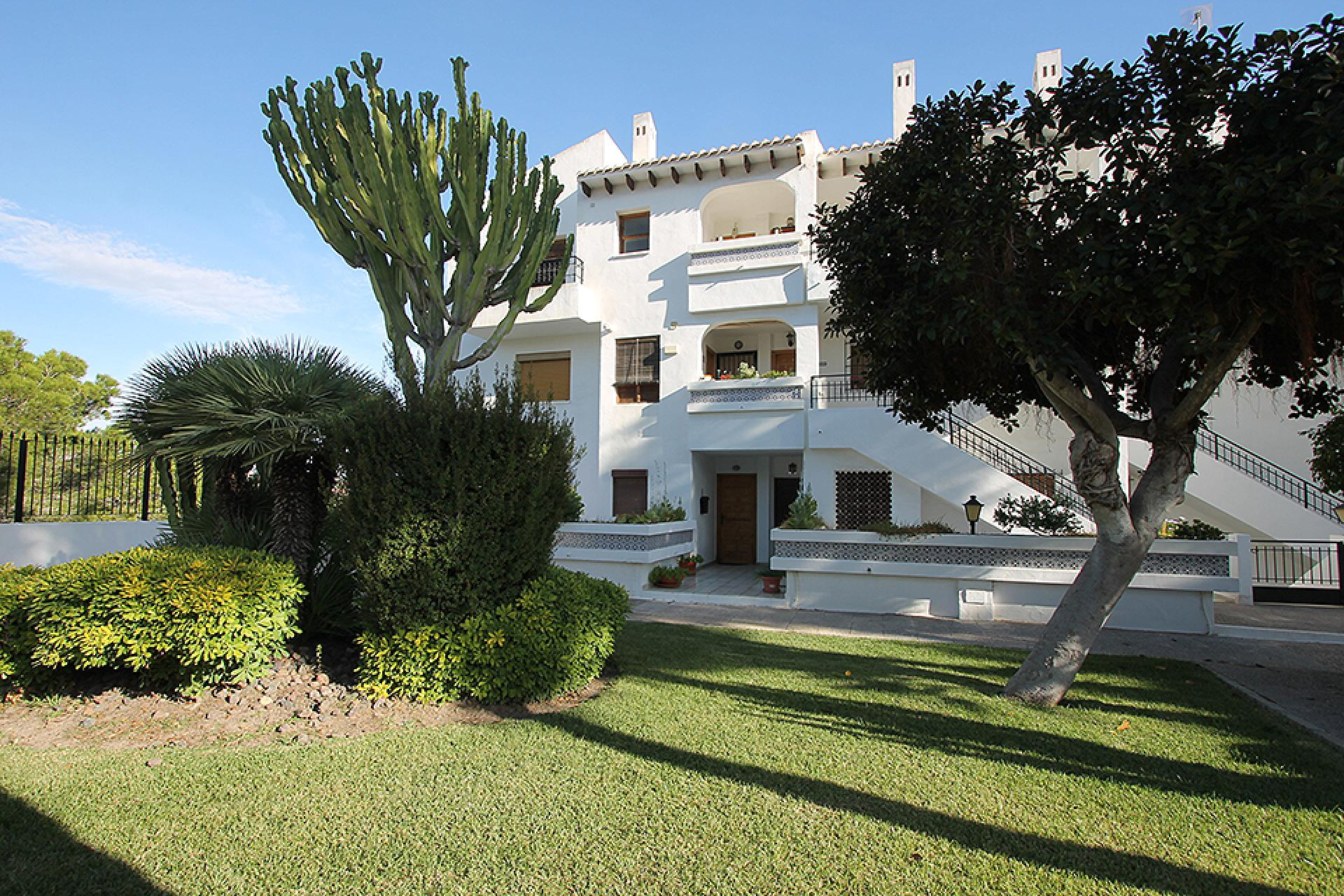Apartment in Dehesa De Campoamor (Alicante)