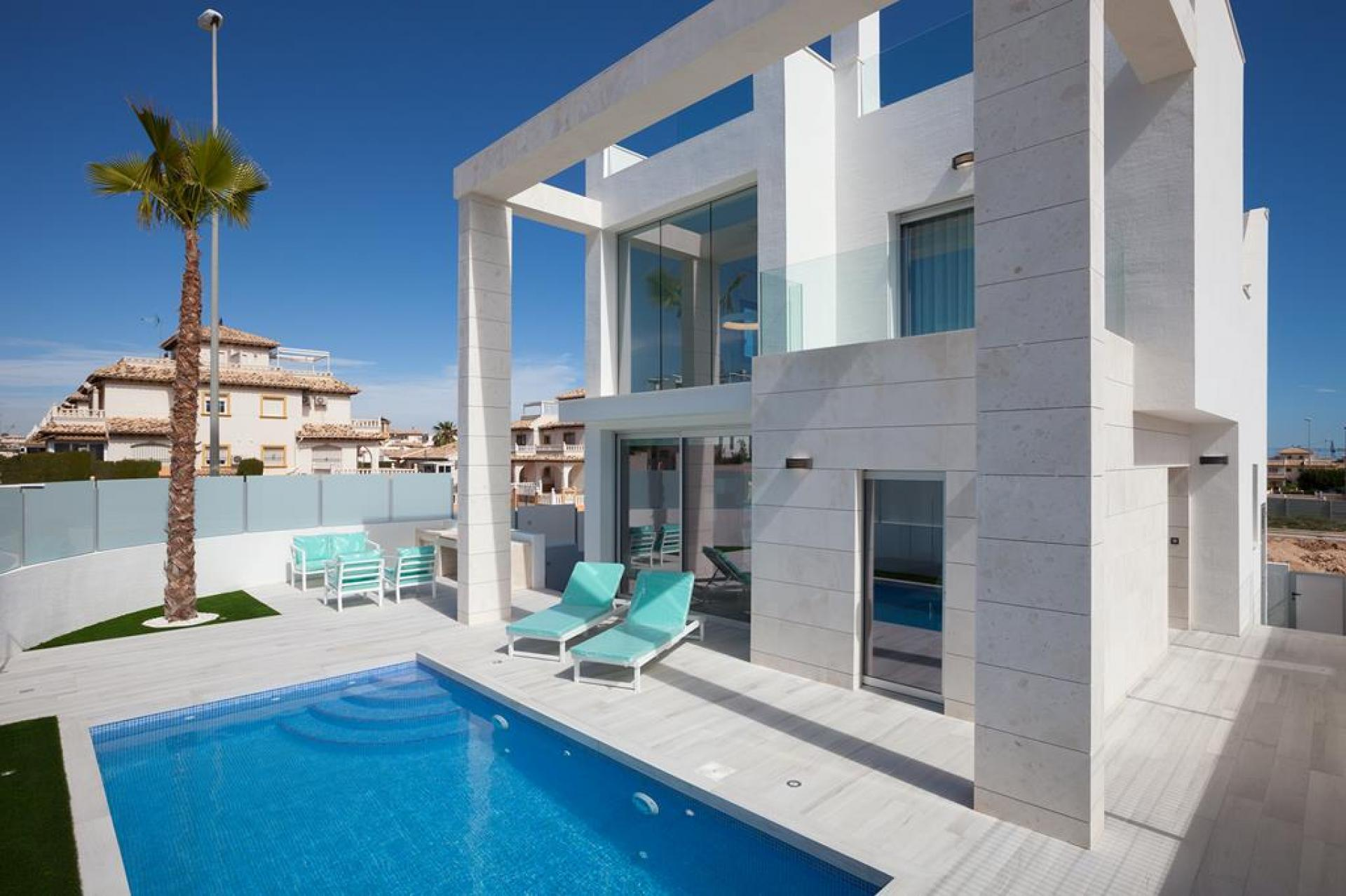 Villa in Cabo Roig (Alicante)